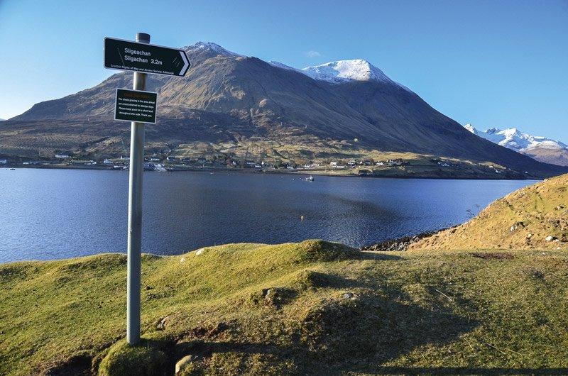 Ecosse à pied: Voici une sélection de sentiers longues distances faite par nos soins pour que vous puissiez parcourir l'Ecosse à pied.